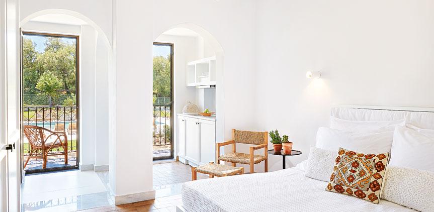 01-deluxe-guestroom-villa-oliva-crete