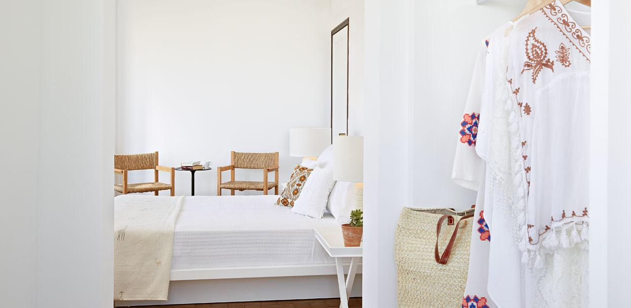01-superior-guestroom-crete-villa-oliva